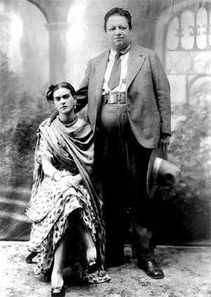 Wedding-Photo-of-Diego-Rivera-and-Frida-Kahlo-21-August-1929
